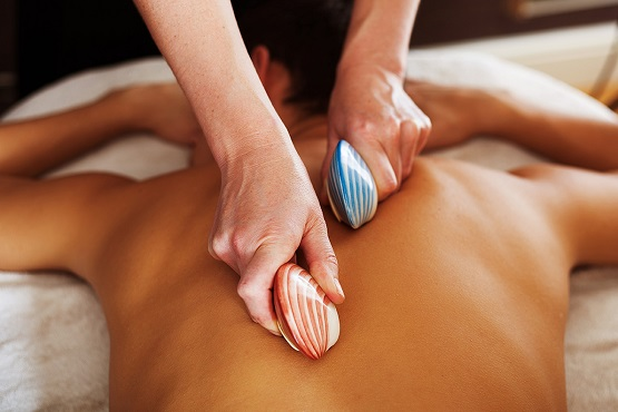 Cottesmore Health and Beauty stones massage on back