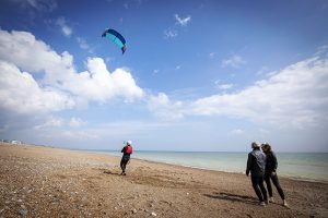 Kitesurfing lesson on Lancing beach in Sussex