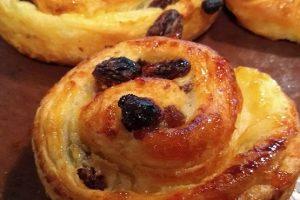 A close up image of a pano raisin